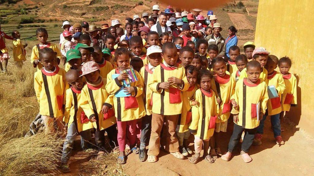 Foto: Hier sehen Sie eine Gruppe von Kindern der ärmsten Dorfbevölkerung, die die DMG-Schule besuchen